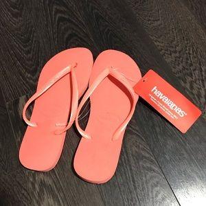 NWT Havaianas Slim Flip Flops Size 5-6
